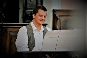 Tomáš Impellizzeri - klavír
